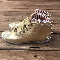 Melody Ehsani x Reebok Gold Sneakers Size 8 for Sale in Houston,  TX