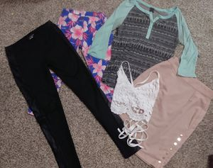 Women's/juniors clothes bundle for Sale in Seattle, WA
