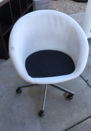 White office chair for Sale in Waddell, AZ