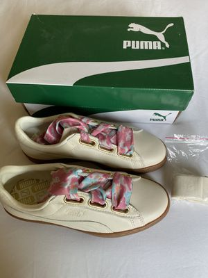 Puma designer leather sneakers women sz 8 for Sale in Lathrop, CA