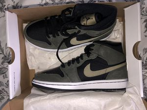 Women's Air Jordan 1 Mid Size 6.5 (NEVER WORN) for Sale in Lake Stevens, WA