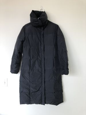Calvin Klein Women's Goose Down Full Length Zip Jacket Coat Parka Black Sz Small. Super silly warm! No marks. Smoke free home.. for Sale in Washington, DC