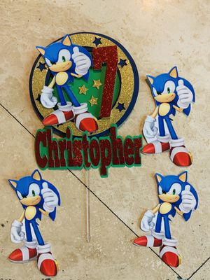 Sonic cake topper ( only toppers no baking) for Sale in Whittier, CA
