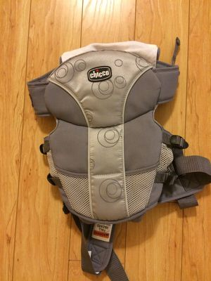Chicco baby carrier- New for Sale in Houston, TX