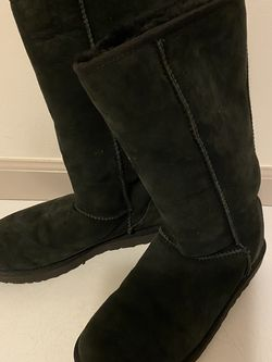 Ugg boots, size women's 9 USA for Sale in Arlington,  WA