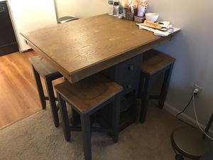 Wooden kitchen table for Sale in Hackensack, NJ