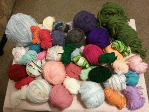 Yarn. Smoke and pet free. for Sale in Parkland, WA