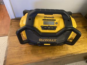 Dewalt Radio DCR025 for Sale in Chesapeake, VA