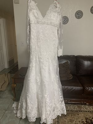 Brand new wedding dress never been worn for Sale in Fullerton, CA
