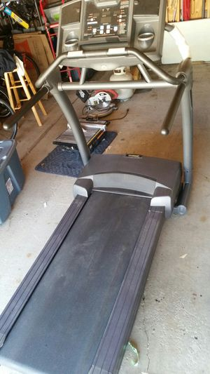 treadmill. Smooth Fitness brand. Works great. for Sale in Chicago, IL