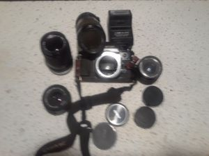 Canon oldie takes film for Sale in St. Louis, MO