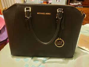 Michael Kors Large Satchel for Sale in Fresno, CA