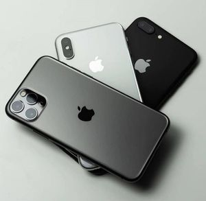 I'm giving away Iphone 11 pro max to serious person for Sale in Pine Hill, AL