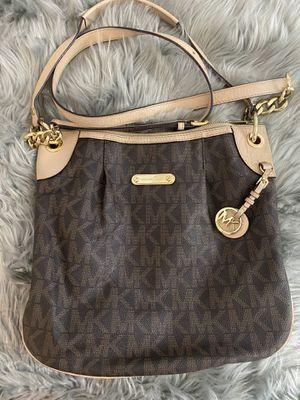Michael Kors Purse/messenger bag for Sale in Anaheim, CA