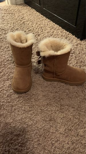 Little Girls Ugg Boots for Sale in Waddell, AZ