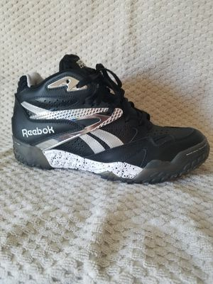 Men's Reebok pre-season's size 10 for Sale in Frederick, MD