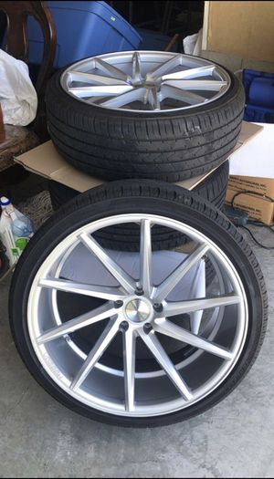 Vossen CVT 5x120 22 inch for Sale in Brentwood, CA