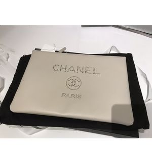 Authentic Chanel Pouch Large for Sale in Newcastle, WA