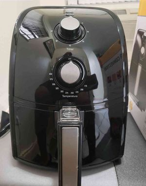 2.6 Quart Hot Air Fryer Convection Oven for Sale in Cleveland, OH