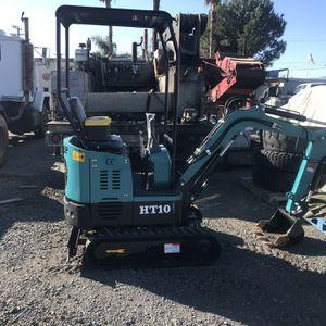 Mini Excavator With Briggs And Stratton Engine for Sale in Rialto, CA