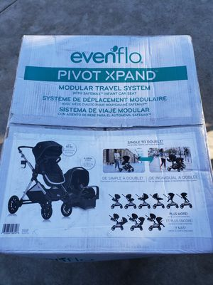 Evenflo pivot xpand double stroller for Sale in Huntington Park, CA