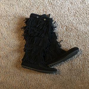 Minnetonka 5-layer Fringe Boots for Sale in Denver, CO