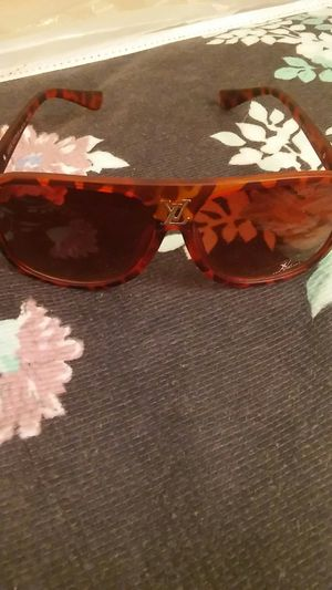 Women's louis vuitton sunglasses for Sale in Columbus, OH