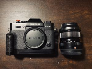 DIGITAL CAMERA AND PROFESSIONAL LENS | FUJIFILM X-T30 BUNDLE for Sale in Houston, TX