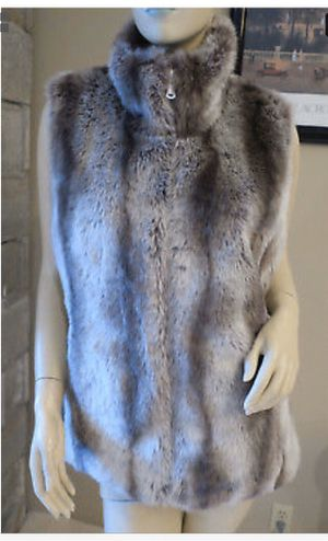 Kristen Blake reversible faux fur vest for Sale in Puyallup, WA