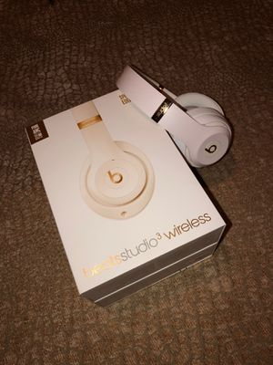 BASICALLY NEW- Limited Edition- Beats Studio 3 Wireless for Sale in McLean, VA