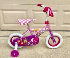 """10"""" Minnie Mouse kids bike with training wheels near New condition for Sale in Wylie, TX"""