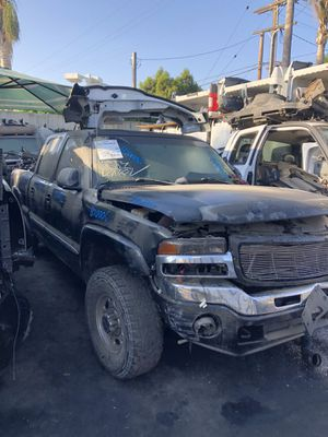 2005 GMC Sierra 2500 hd for parts Bk Auto Wrecking 14134 Garfield Ave paramount ca for Sale in Long Beach, CA