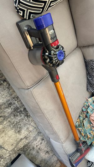Dyson v8 absolute for Sale in Austin, TX