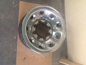 Ford truck chrome wheels 8 hole lug pattern for Sale in Chelan, WA