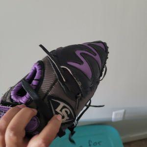 Little Girls Softball Glove for Sale in Bakersfield, CA