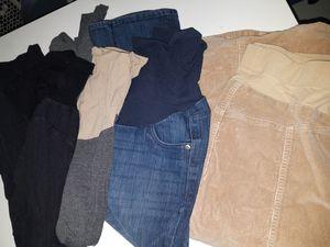 Maternity pants, leggings, tops. Petite Medium for Sale in Rock Island, IL