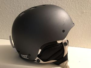 Original Smith Optics HOLT All Sports Pro Helmet (L 58-60) for Sale in Fresno, CA