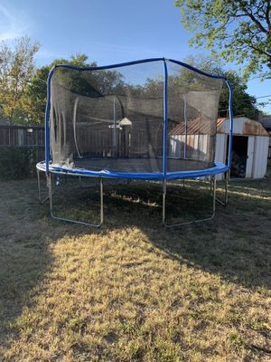Netted Trampoline for Sale in Benbrook, TX