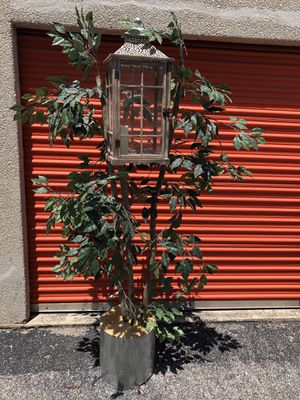 Fake Plant Planter with a build in Wood Candle Case - About 6ft Tall - Reduce Now - Save Money With me - Hurry - Reliable Seller - Always Ans for Sale in San Antonio, TX