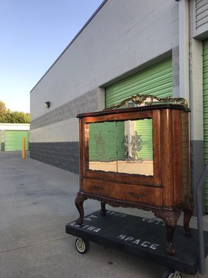 Antique Sideboard Buffet Cabinet Storage with mirror doors for Sale in Lake Forest, CA