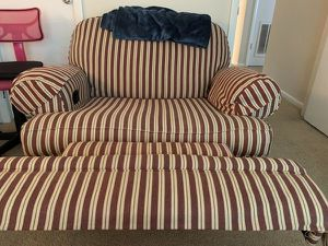 Reclining wide chair for Sale in Federal Dam, MN