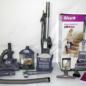 NEW cond SHARK NAVIGATOR VACUUM WITH COMPLETE ATTACHMENTS , AMAZING POWER SUCTION, WORKS EXCELLENT, IN THE BOX for Sale in Auburn, WA