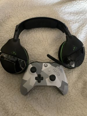 Turtle beach headset and Xbox one controller for Sale in Los Angeles, CA