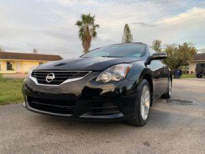 Nissan Altima Coupe 2011 for Sale in Miami, FL