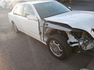 Wrecked 2001 Lexus ls430 for Sale in Sun City, AZ