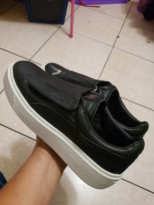 PUMA SIZE 9 WOMENS for Sale in Phoenix, AZ