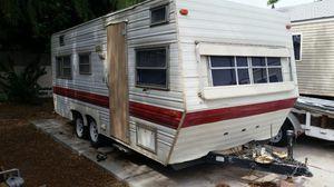 Skyline Weekender 1984 18ft Camper/Trailer Fixer upper for Sale in Mesa, AZ