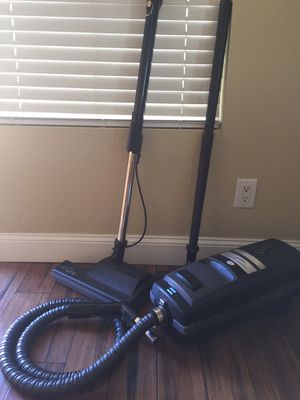 Electrolux Canister Vacuum for Sale in Chandler, AZ