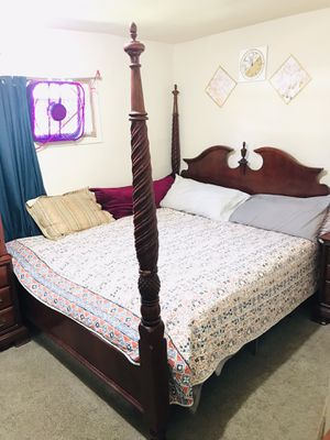 Chinioti full bed set for Sale in Buffalo, NY