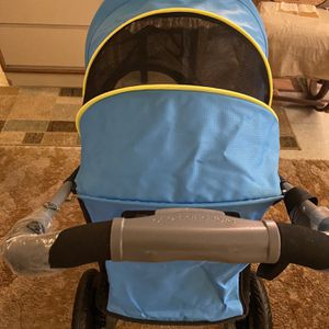 Pet stroller Brand New for Sale in Newport News, VA